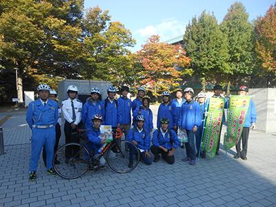 H27.10.13愛媛大学サイクリング部と実施した啓発活動の様子