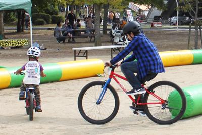 ヨツバサイクルの自転車の試乗も実施